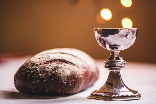 Billede af krus og brød